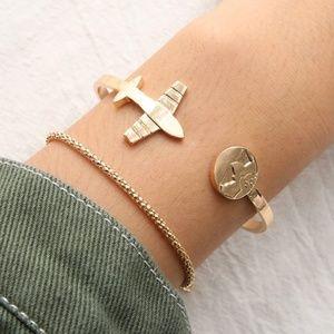 2 Pcs Jetsetter 🛩 bracelet set- Gold